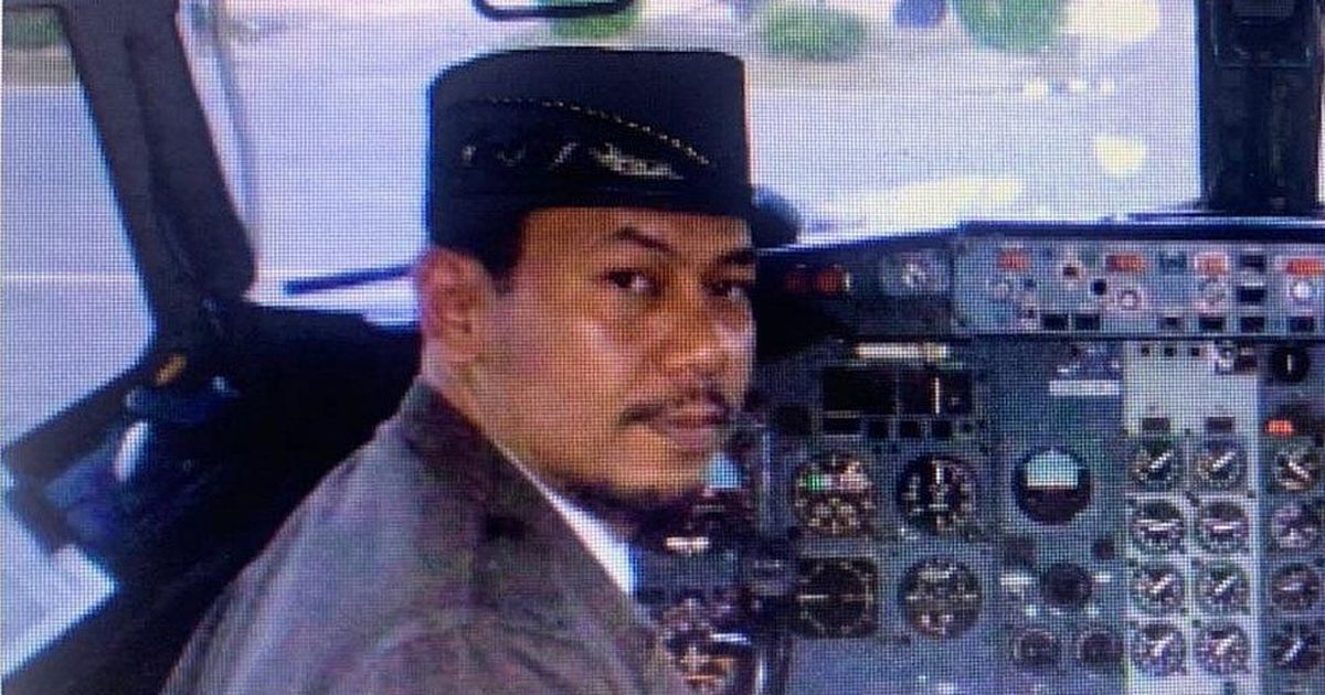 Family of doomed 737 pilot say he left home 'dishevelled and in a rush'