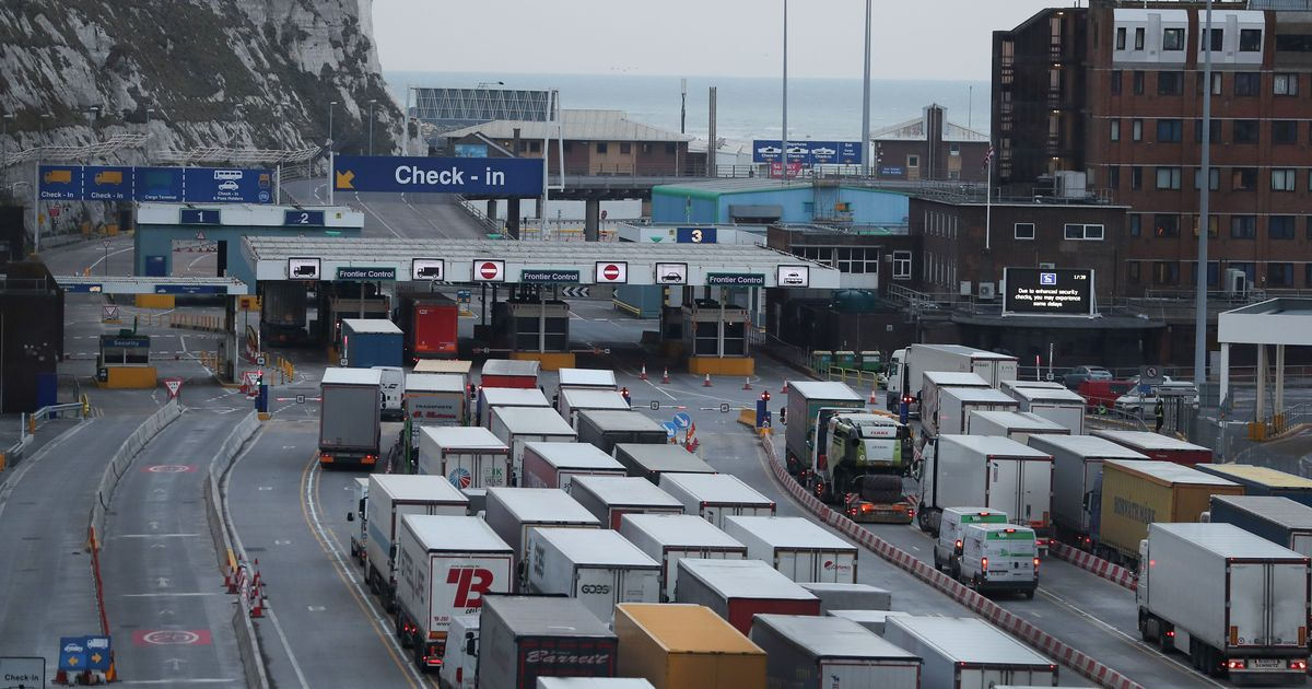 Hundreds of lorries 'turned back from  entering EU every day'