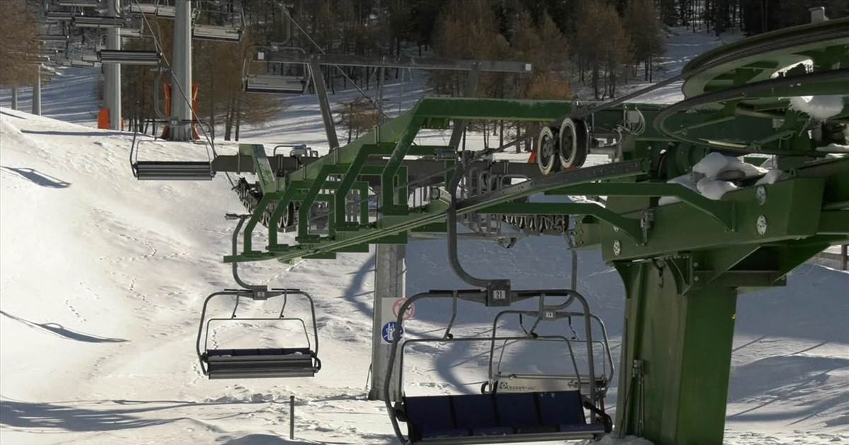 Italian ski resorts stay shut to stop Covid-19 from spreading
