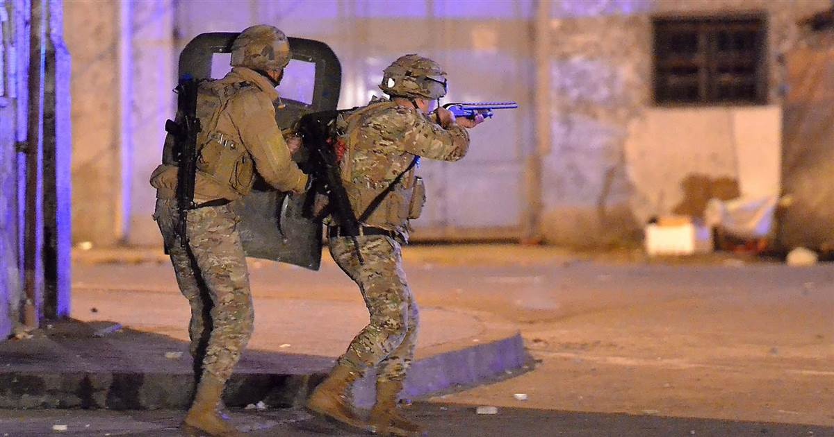 Lebanese security forces open fire on protesters in Tripoli
