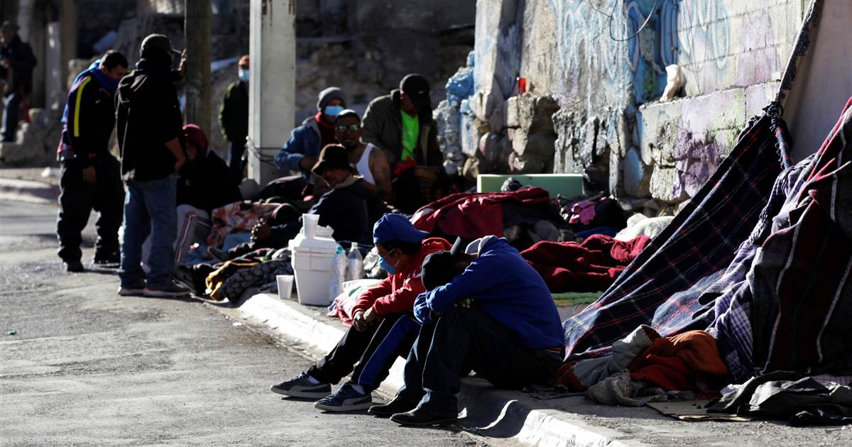 Mexico closes migrant shelters due to coronavirus; those seeking refuge face more dangers