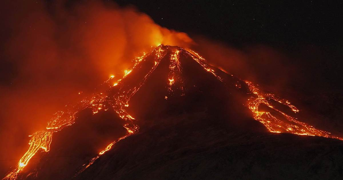 Mount Etna puts on fiery display with nighttime eruption