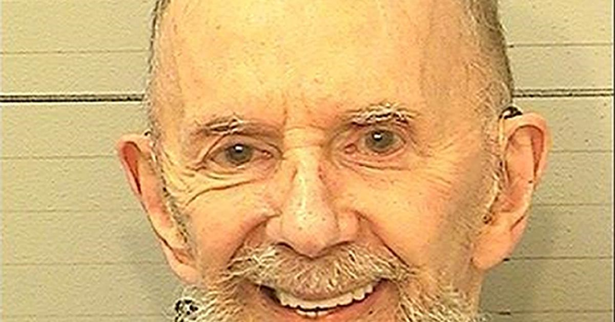 Music producer Phil Spector dies while serving prison sentence
