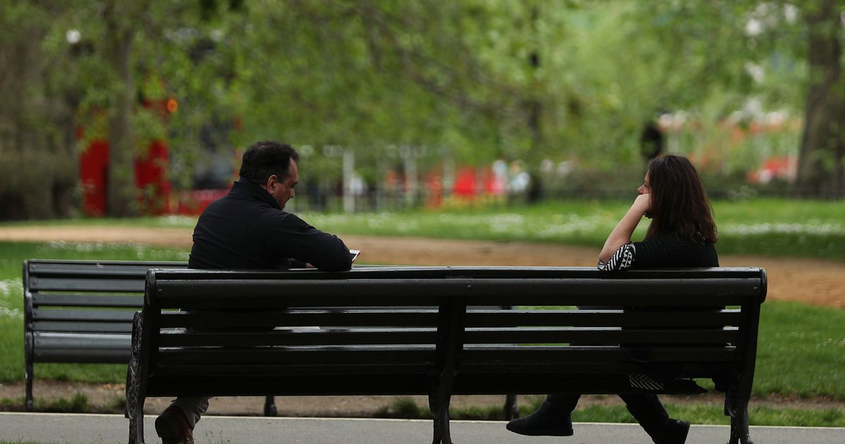 No 10 unable to say if sitting on park bench is against Covid rules