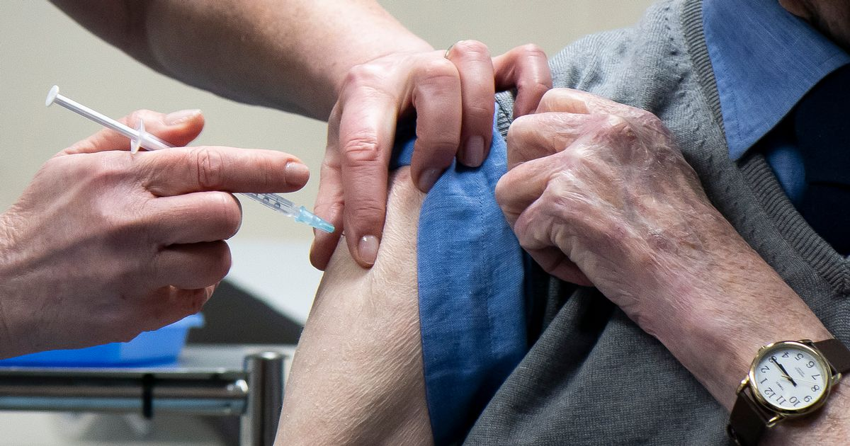 Over 70s to get vaccination appointment cards in post in Scotland