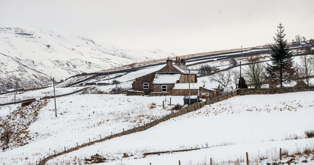 Severe cold weather alerts issued by health chiefs as snow is forecast