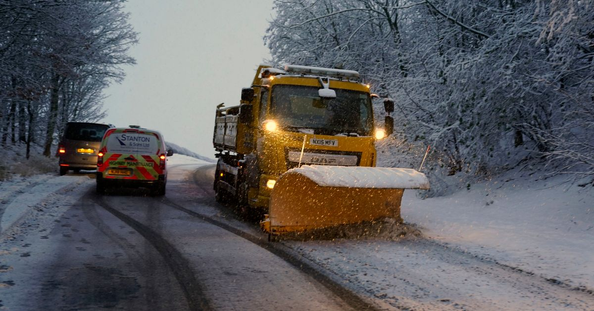 Snow and ice warning this weekend ahead of further flooding