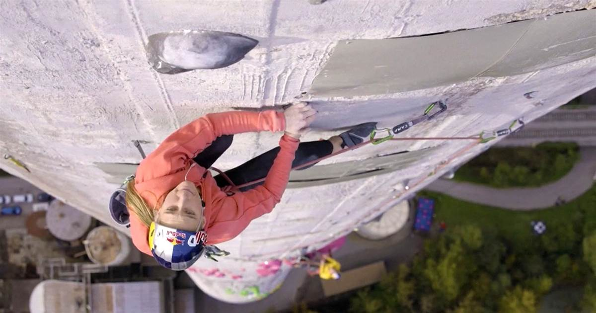 Watch: Duo climb Europe's tallest chimney