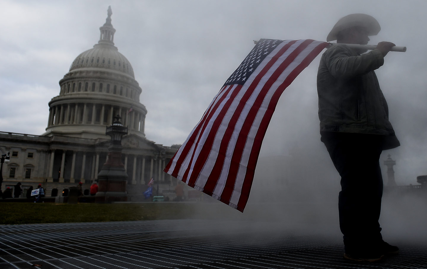 capitol-flag-steam-man-gty