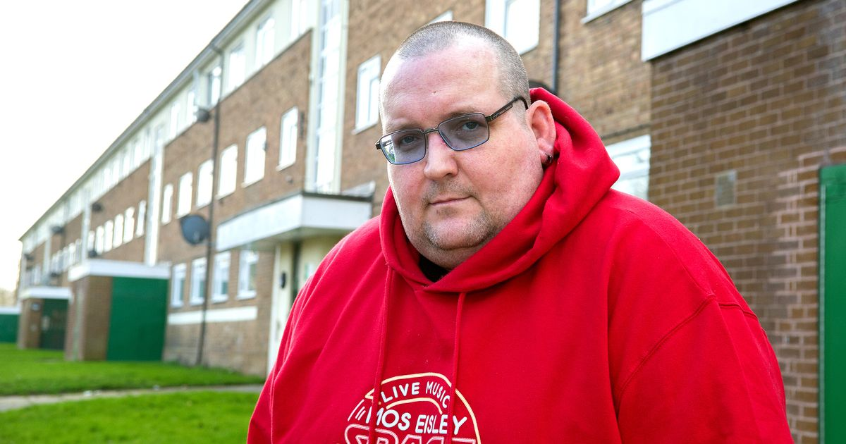 Asda delivery driver 'refuses' to carry disabled man's food shop to his flat