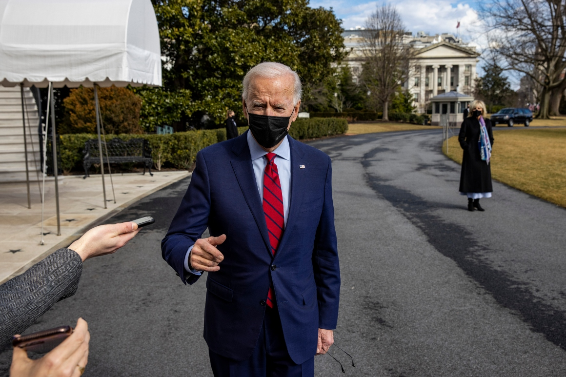 Biden backs right of Amazon workers to attempt to organize