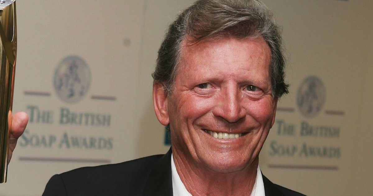 Coronation Street stars pay tribute to 'lovely' Johnny Briggs