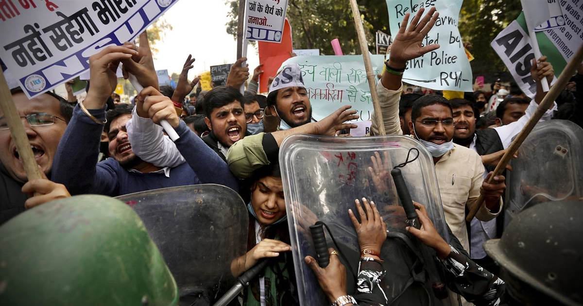 Defiant Indian farmers demand agricultural law repeal