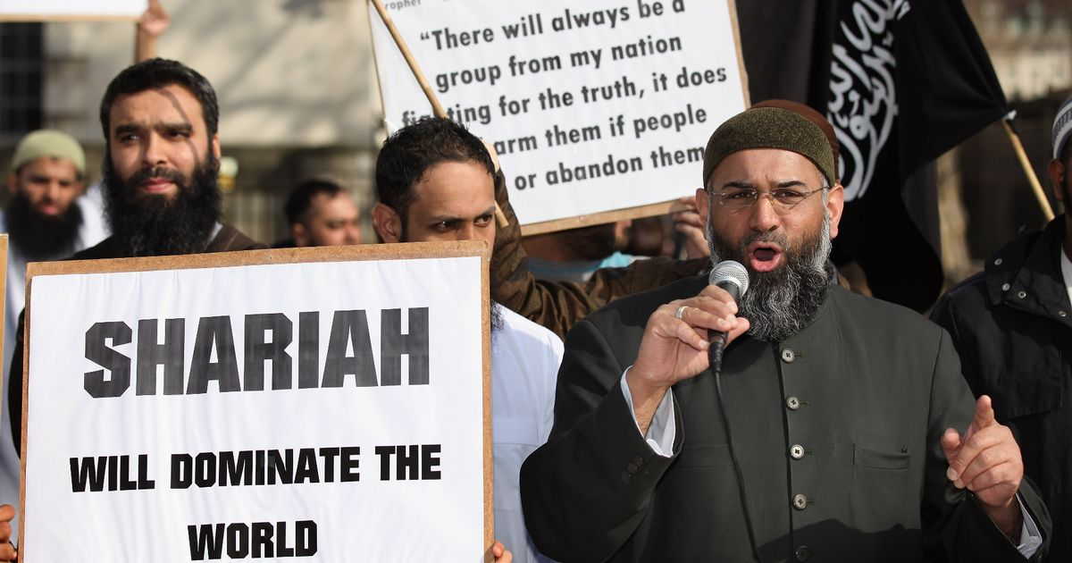 Lawmakers urged to outlaw hateful extremism in the UK