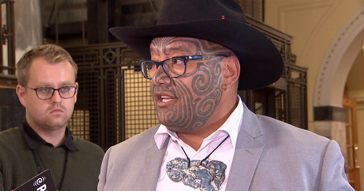 Maori lawmaker ejected from Parliament for not wearing a necktie