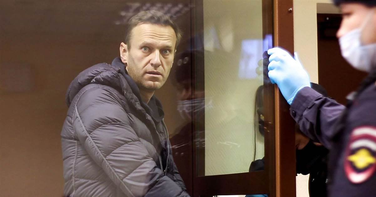 Putin critic Navalny in court again, this time on slander charge