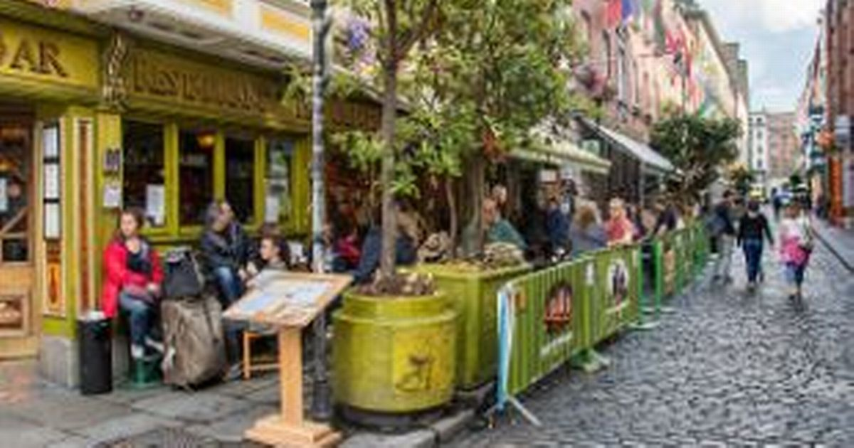 Reopening of Irish pubs 'won't be considered until mid-summer'