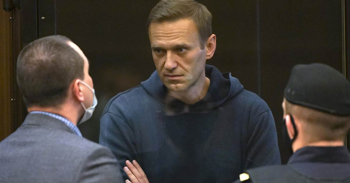 Russian opposition leader Navalny in court over probation violation