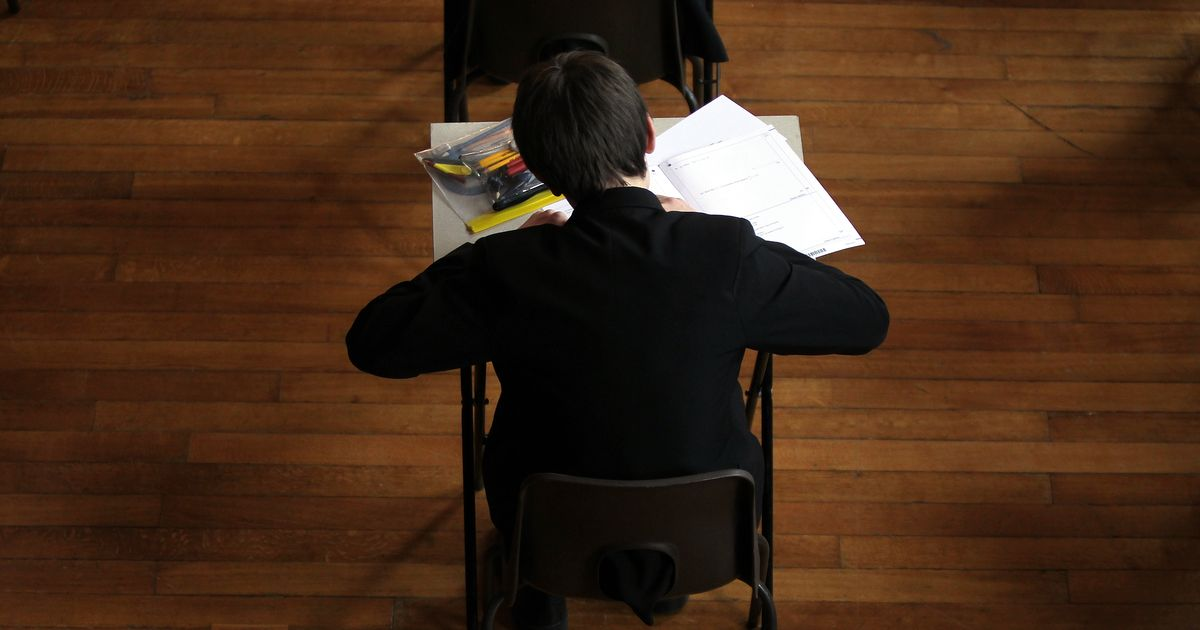 Students in England will get GCSE and A-Level results early