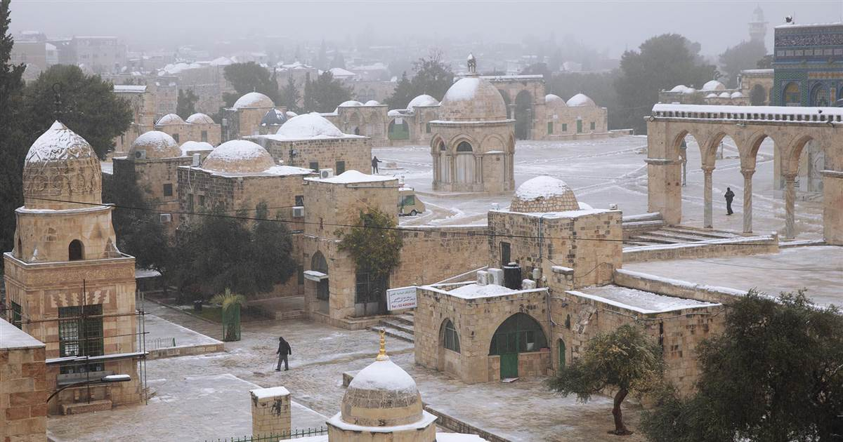 Winter storms bring heavy snow to the Middle East
