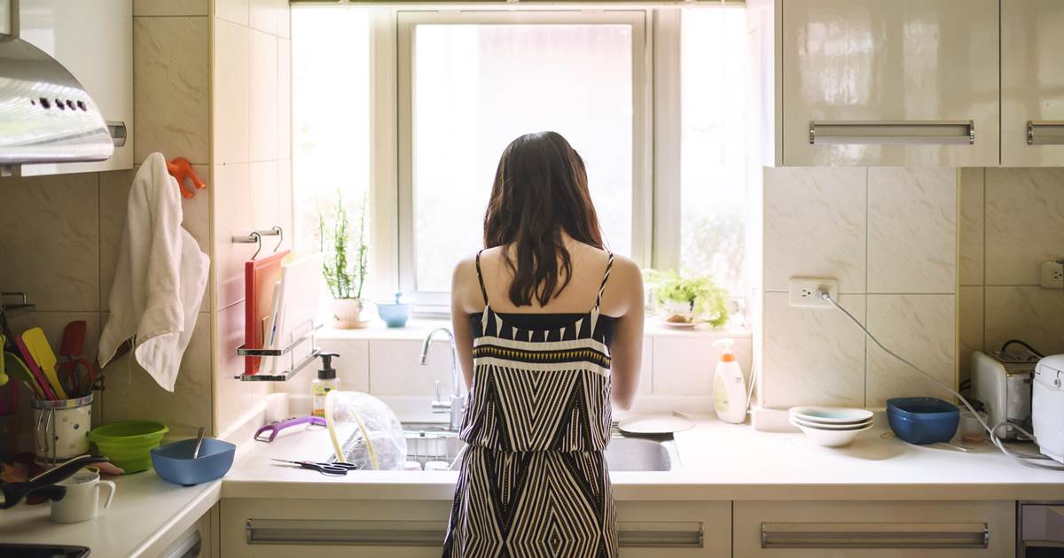 Woman receives $7,000 compensation for housework in landmark Chinese divorce ruling