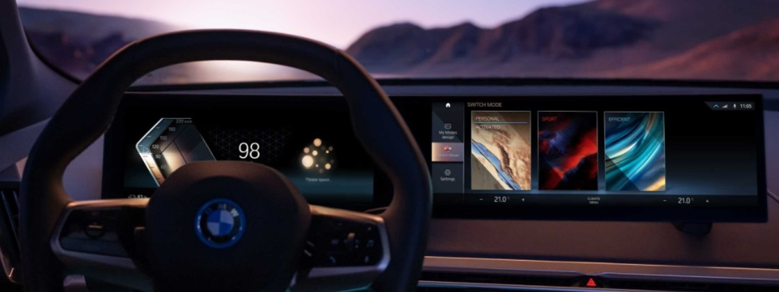BMW introduces new curved panel and iDrive 8 system