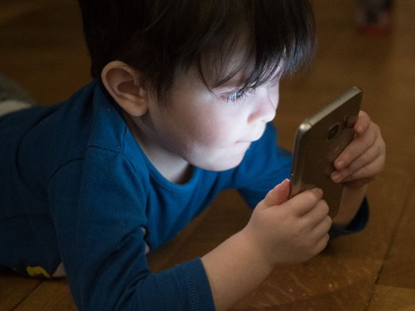 The Habit Of Giving Children A Phone To keep Them Calm Can Make Them More Angry; Good At keeping Away From it