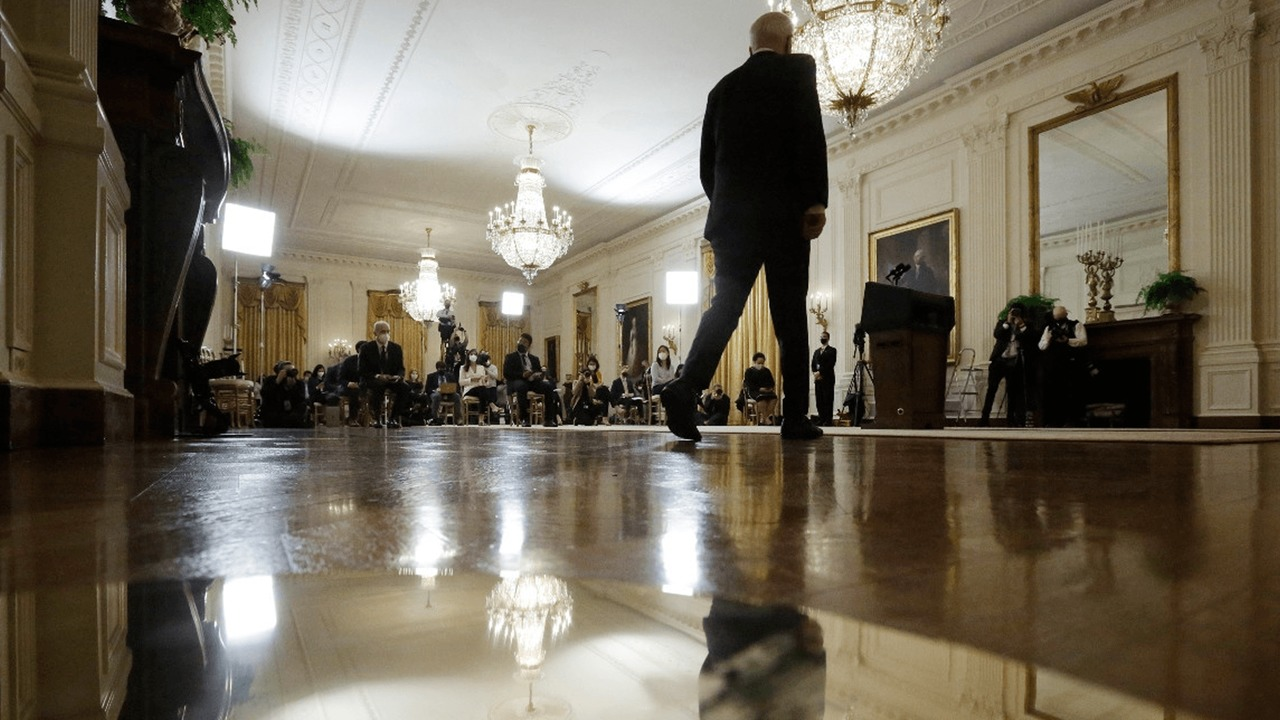 Biden meets the press and the pandemic disappears