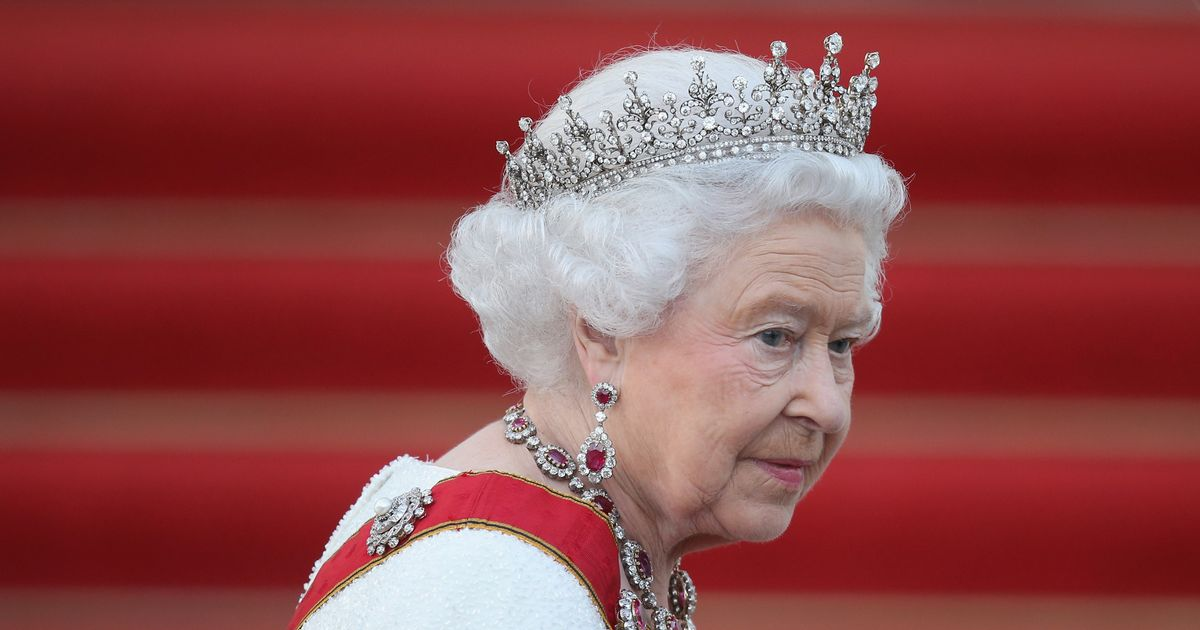 Bomb disposal team called to Queen's Edinburgh home