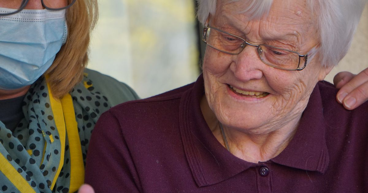 Care home staff may face mandatory vaccination
