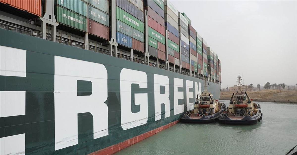 Huge container ship blocking Suez Canal 'could take weeks' to shift