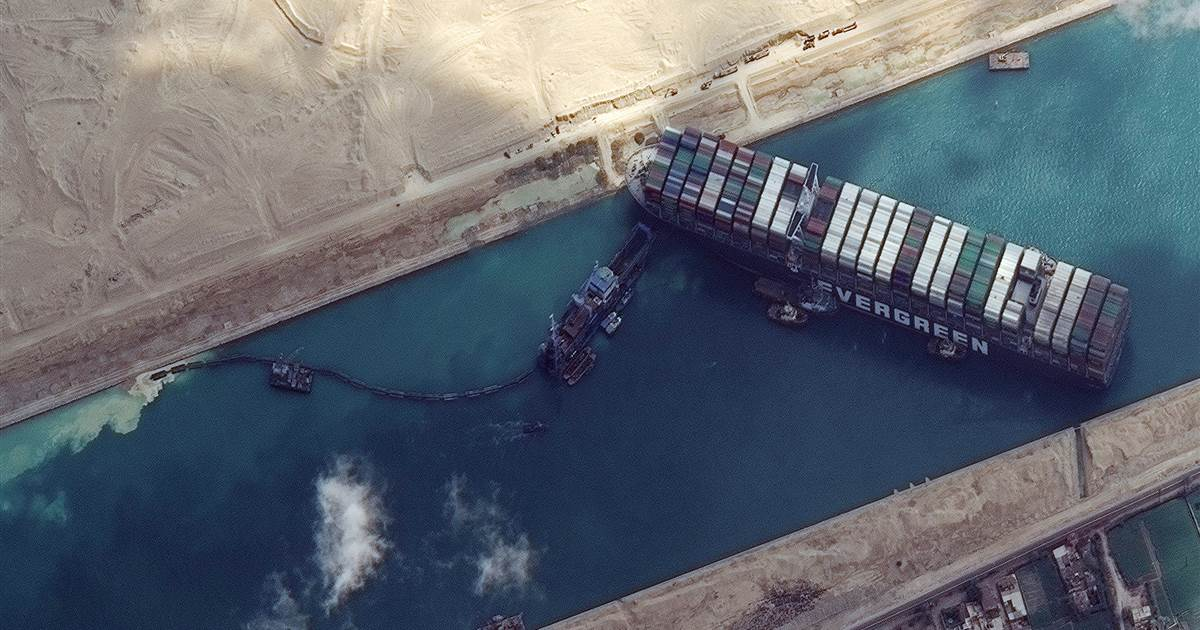 Owners hope to refloat trapped Suez Canal ship on Saturday
