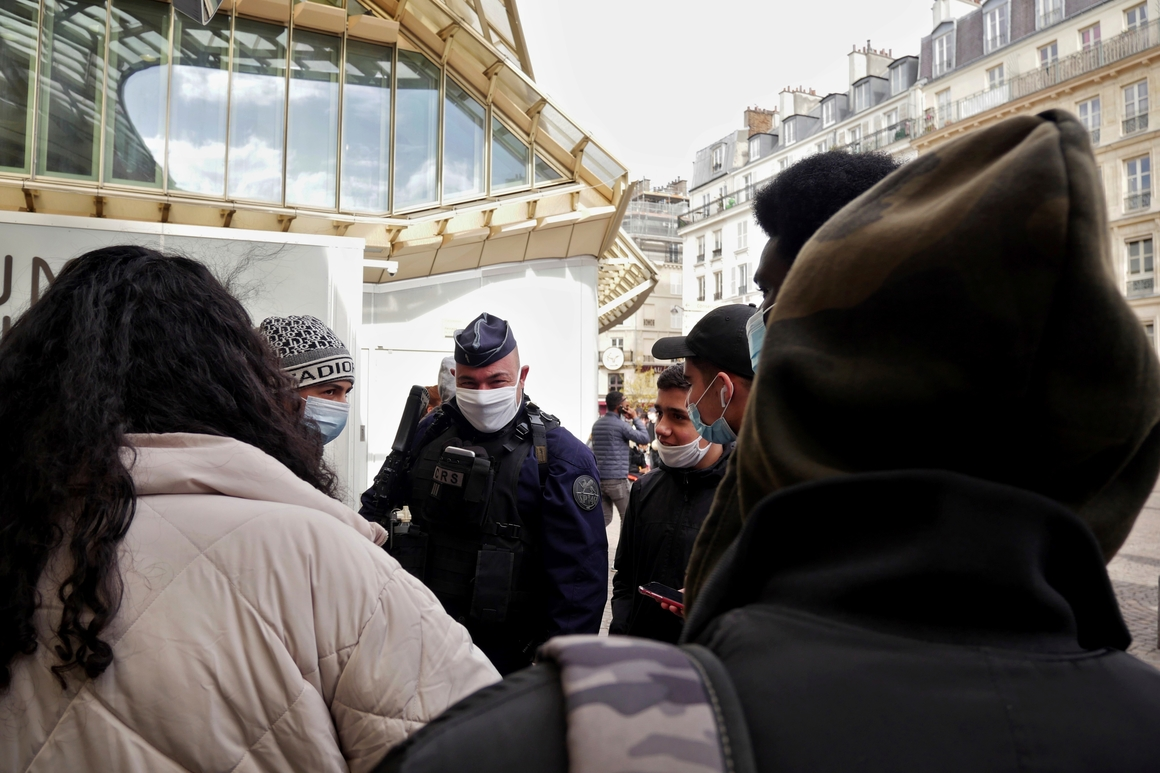 Paris may face new lockdown as ICUs fill up