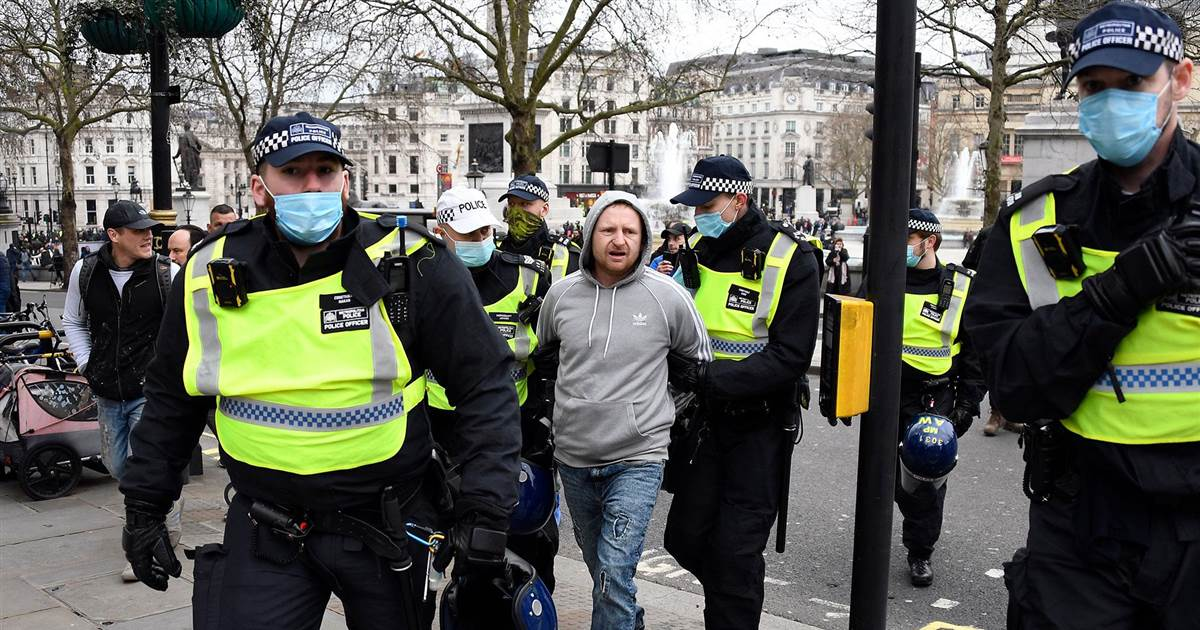 Police clash with anti-lockdown protesters in London