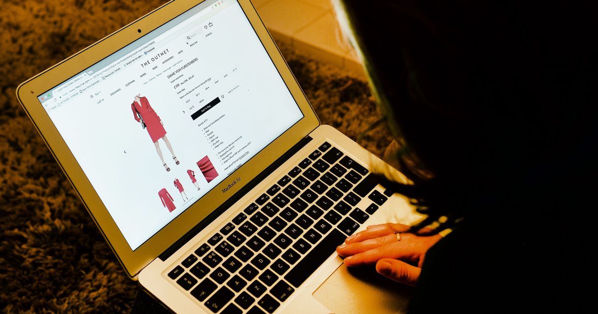 Record 167% surge in online shopping sales during lockdown
