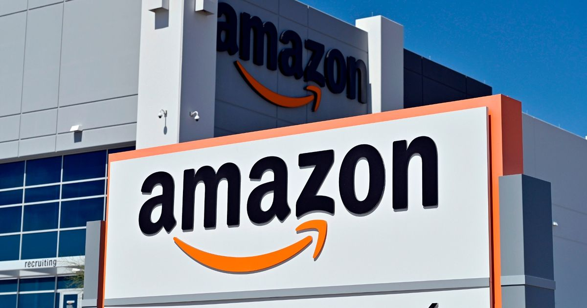 Rishi Sunak 'looking at new way to tax online retail giants'
