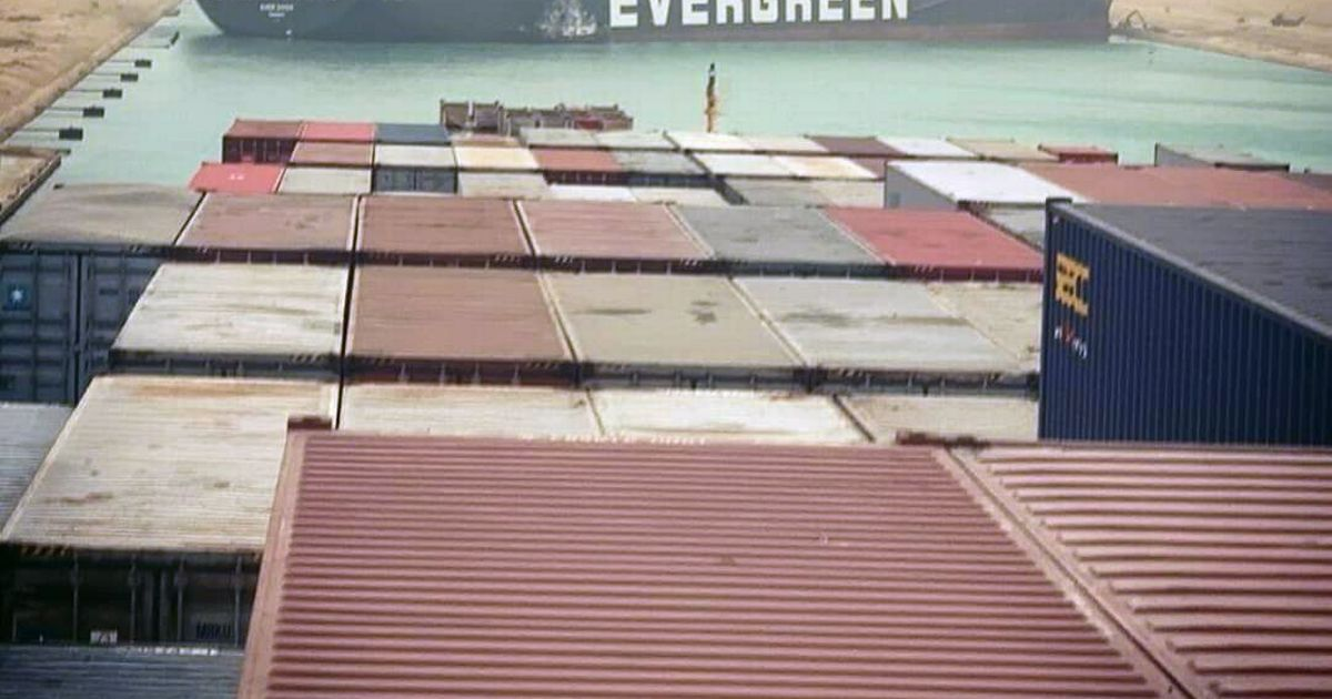 Suez Canal could be blocked for days with 100 ships now stuck on either side