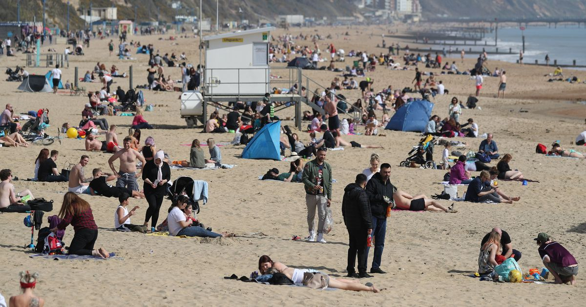 Temperatures rise by 20c in 4 hours in 'Exceptional warmth'