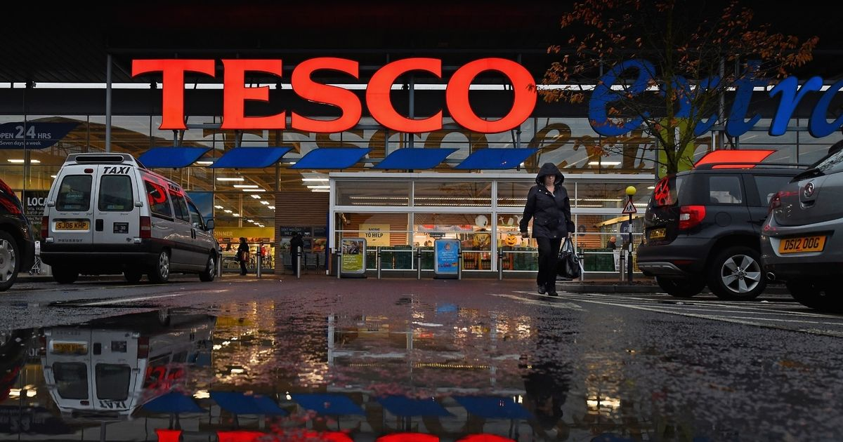 Tesco switching off lights in all stores for an hour tonight