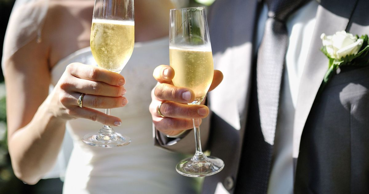 Thousands of weddings in England to be cancelled due to rules