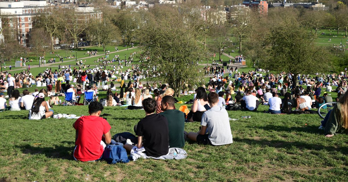 UK hotter than Marbella with 'chance' of temperature record