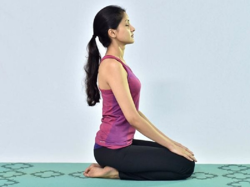 Work From Home And Back Pain: Vajrasana Improves From Back Pain To Digestion, It Makes Bones Strong And Increases Blood Circulation.