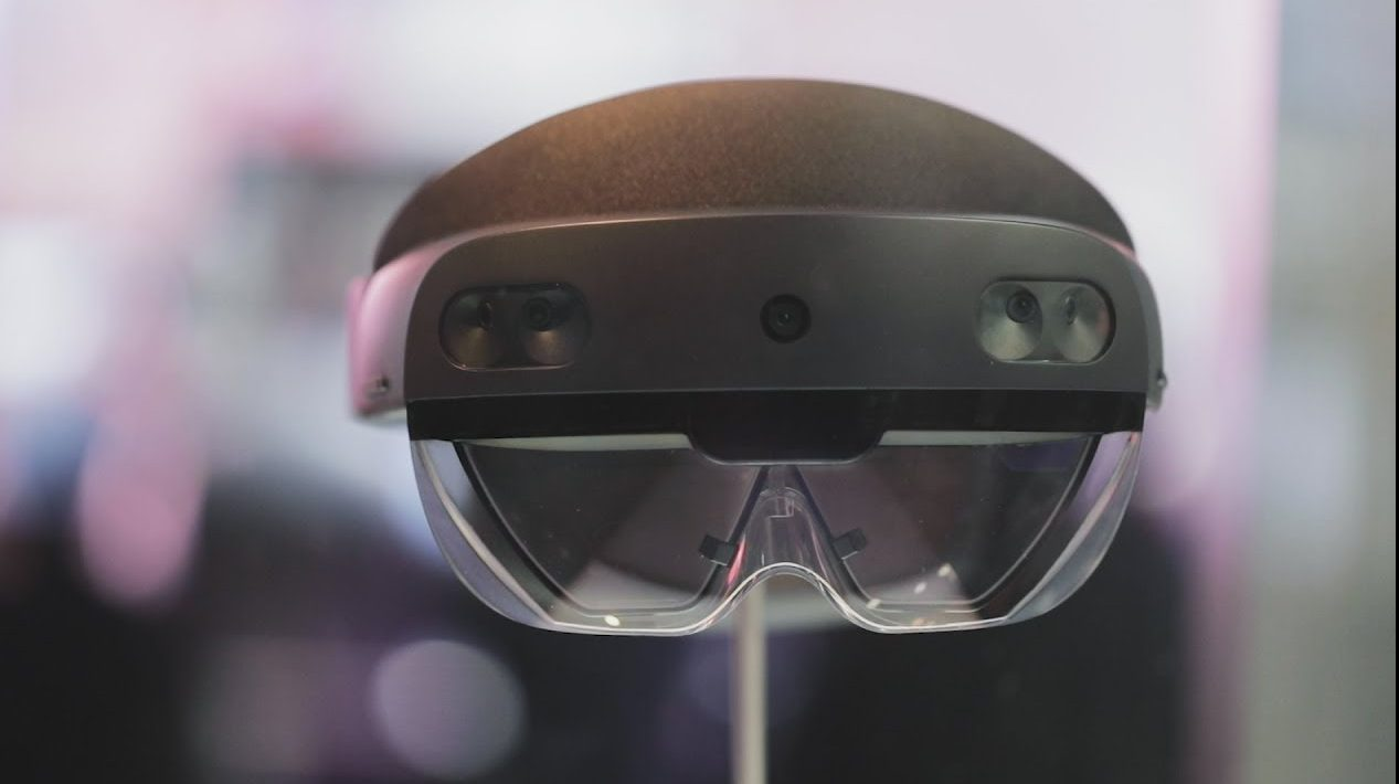 Microsoft will produce 120,000 HoloLens for the US military