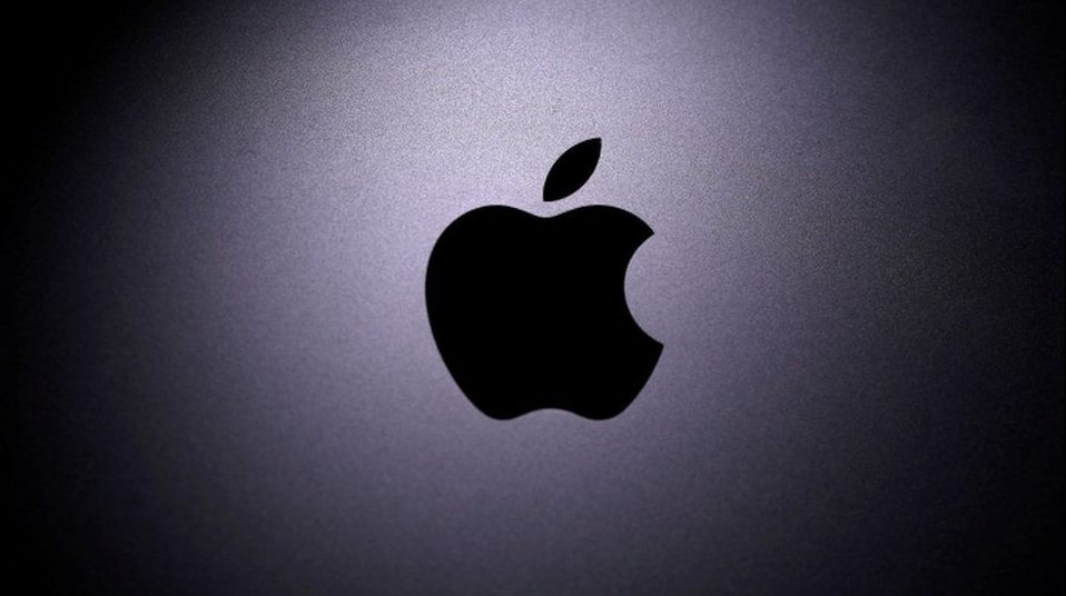 Apple sharing on the environmental contribution of offering new iPhones without power adapters