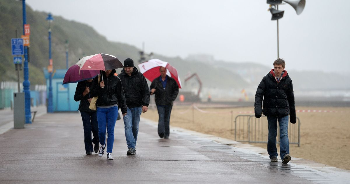 Bank holiday weather 'washout' warning as forecasters predict wind and rain