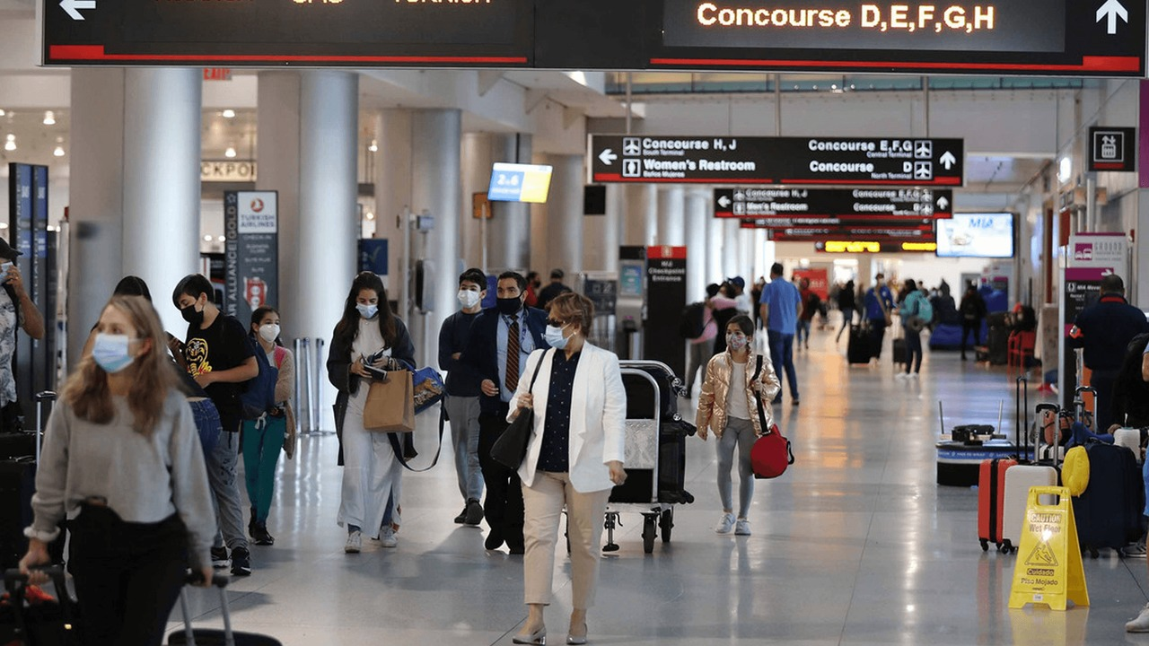 CDC: Vaccinated Americans can now travel