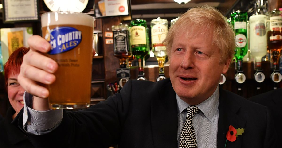 Former Foreign Office deputy calls Boris Johnson an 'embarrassing buffoon'