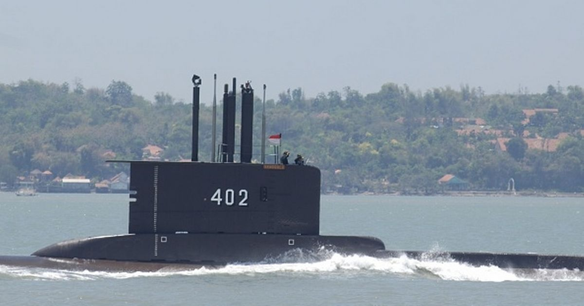 Frantic search as Indonesian submarine with 53 people on board disappears