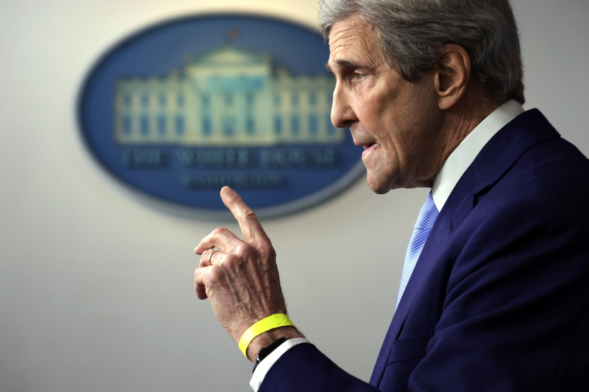 GOP tears into Kerry amid Iran controversy