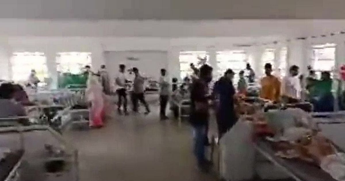 India's Covid crisis as medics try to save patients amid oxygen shortage